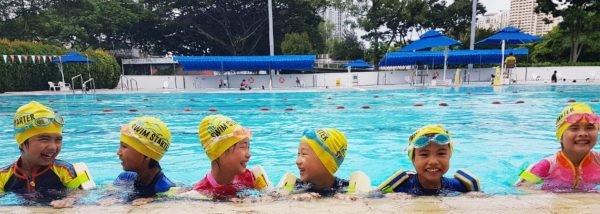 Children in a swimming pool at a Swim Starter class